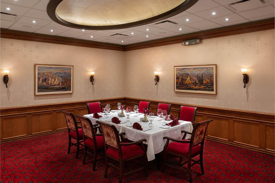 private room regina the diplomat 5