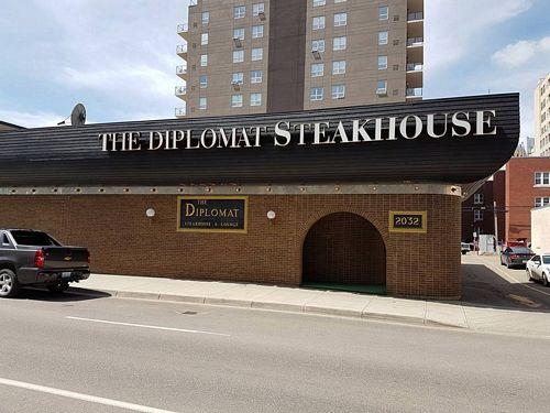 the diplomat steakhouse broad street